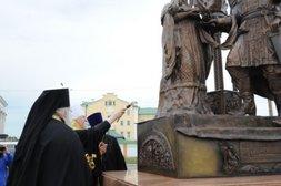 В городе Чебоксары Республики Чувашия открыт памятник святым благоверным Петру и Февронии Муромским