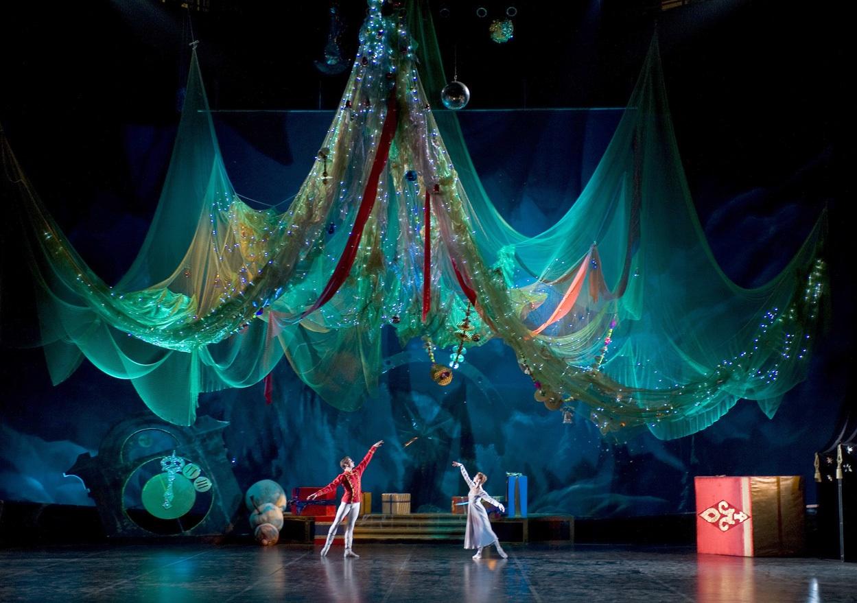 В  жюри регионального этапа фестиваля «Театральное Поволжье» работают ведущие деятели культуры Саратовской области