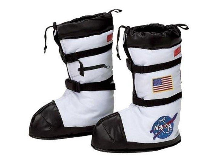 <small>Автор: интернет-ресурс.</small> <small>Источник: https://www.costumepub.com/p-372-astronaut-boots.aspx.</small>