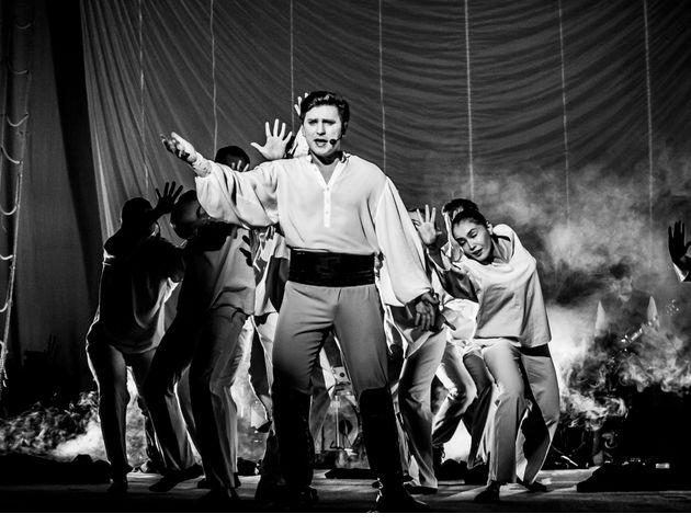Гастроли открыла рок-опера «Юнона и Авось»