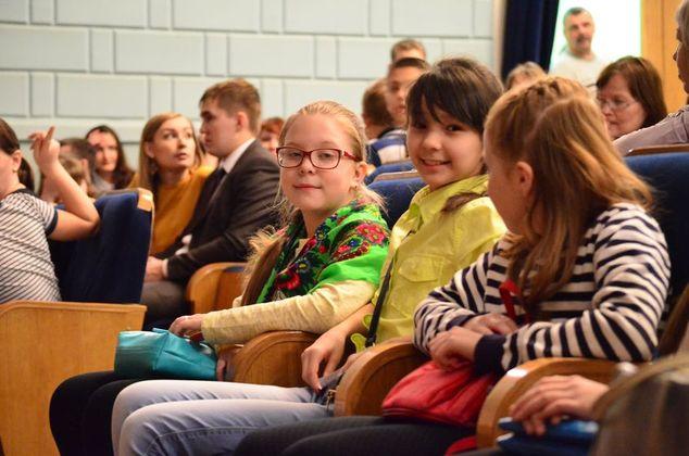 Участники проекта «Школа юного театрала» посетили спектакль Государственного русского драматического театра города Чебоксары