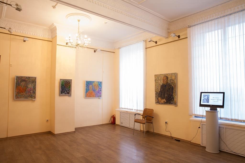Красноярский художественный музей имени В. И. Сурикова (отдел декоративно-прикладного искусства)